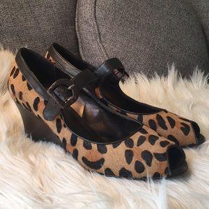 💞sale💞 Peep toe Cheetah Wedges